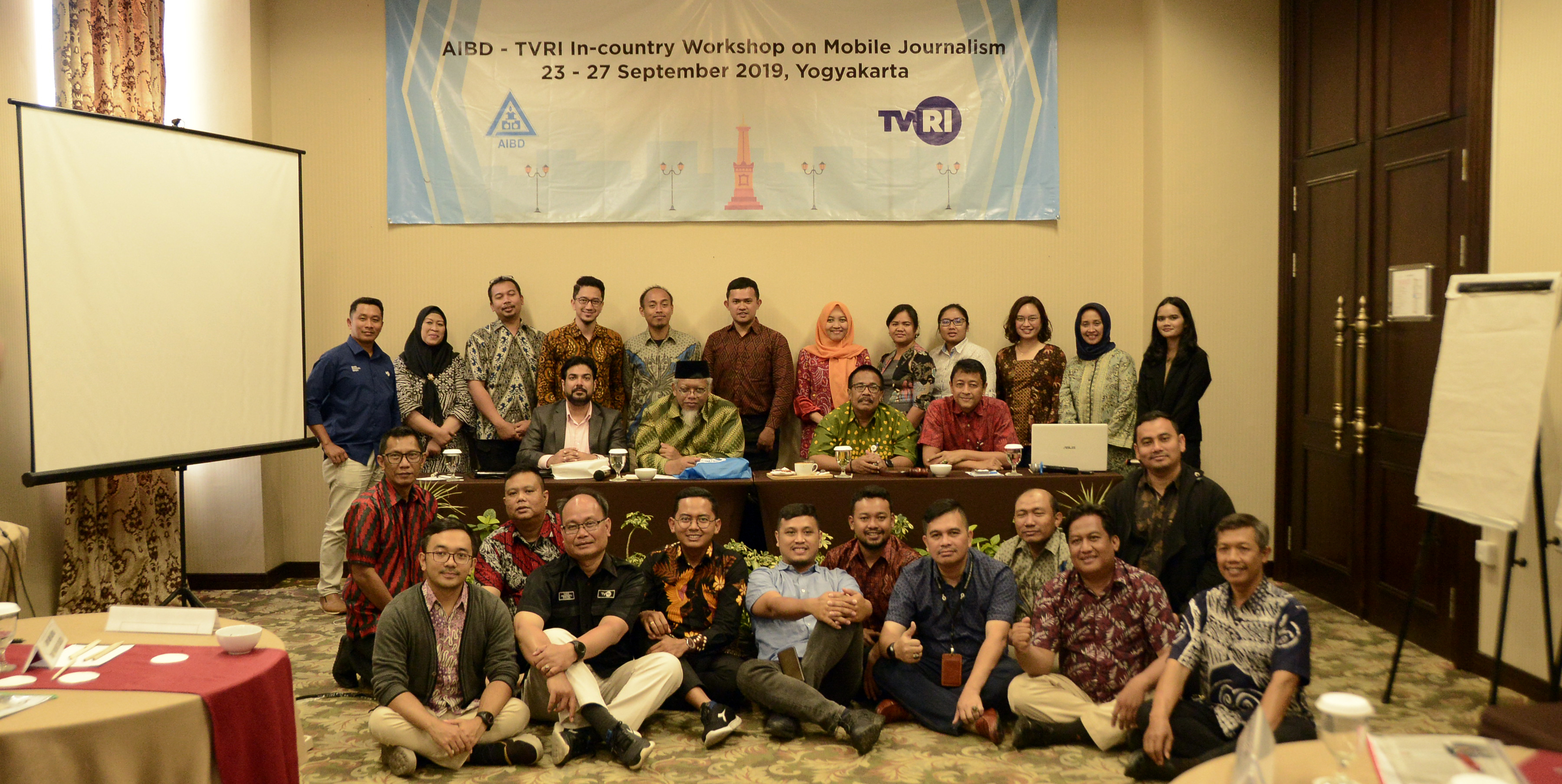 AIBD TVRI Mobile Journalism_group photo